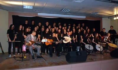 Öğrencilerden dayanışma konseri