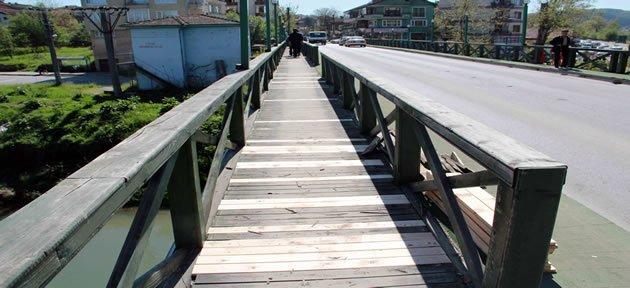 Orduyeri köprüsü bakıma alındı