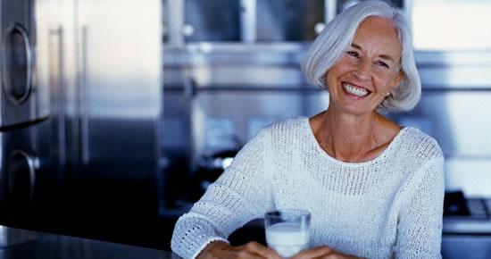 Osteoporozdan Korunmak için Günde İki Bardak Süt