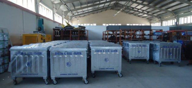 Özel İdare'den 100 adet çöp konteynırı