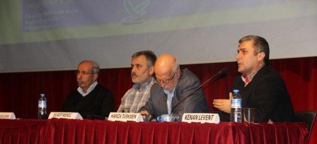 Özgür-der Tarafından Panel Düzenlendi
