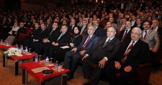 Rektör Kaplan Sezai Karakoç sempozyumuna katıldı