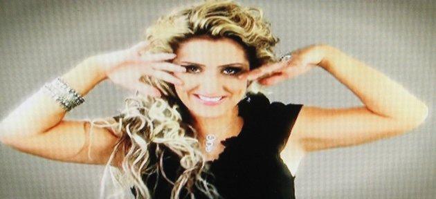 Şarkıcının Eski Sevgilisini 14 Yaşındaki Oğlu Öldürmüş