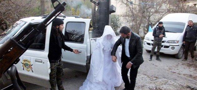 Savaşa düğün molası