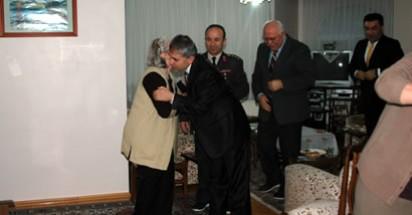 Şehit Üsteğmen'in ailesine ziyaret