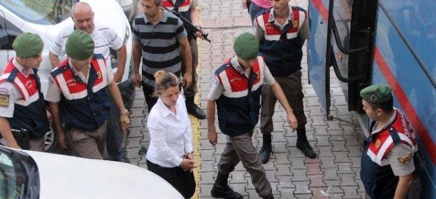 Sevgilisini Öldürdüğü İddia Edilen Kadına Müebbet Hapis İstemi