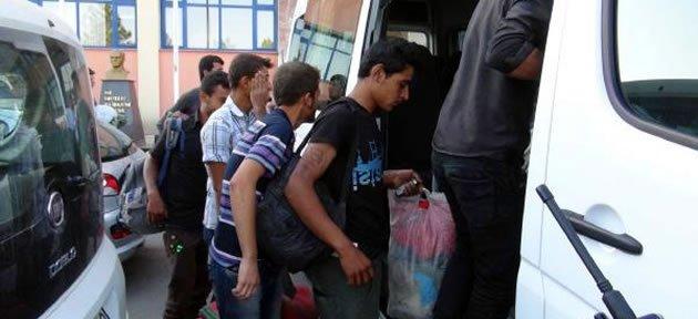 Suriye'den Kaçan Gençler Bartın'da Yakalandı