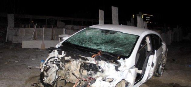 Tarlaya Uçan Otomobilin Sürücüsü, Hayatını Kaybetti