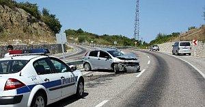 Kadın Sürücü Kazada...