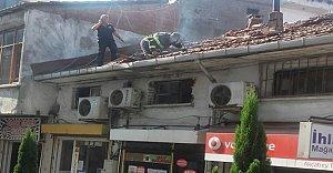 Tarihi Sit Alanında Çıkan Yangın Korkuttu
