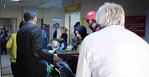 Bileğine Saplanan Çelik Kalıpla Hastaneye Kaldırıldı