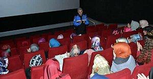 650 Öğrenci, 26 Öğretmen ve 65 Emniyet Mensubu Film İzledi