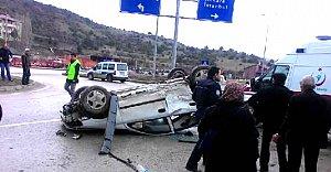 2 otomobil çarpıştı: 11 yaralı