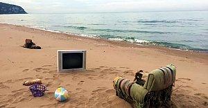 İnkumu'nda Deniz Manzaralı TV Keyfi (!)