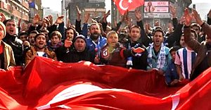 Taraftarlardan terör protestosu