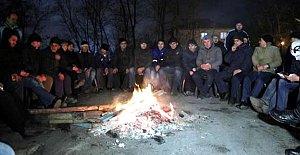 Termik santralde çalışan taşeron işçilerden eylem