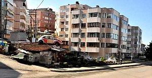 Vosvosu, yeni açtığı kafenin çatısına çıkardı