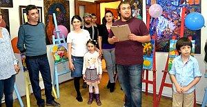 6 Yaşındaki Ressam İlk Sergisini Bartın'da Açtı