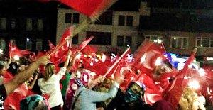 Bartın'da Demokrasi Nöbeti Devam Ediyor