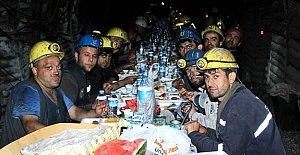 Eksi 300 Kotunda Madencilerle İftar