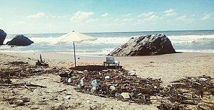 İnkum Sahilinde Bu Görüntüler Temizleniyor