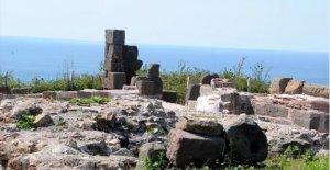 25 Mezar Bulundu, Kilise Açıldı