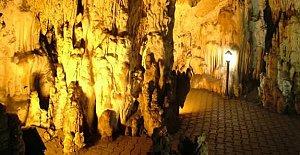 Gürcüoluk Mağarası Turizme Kazandırılıyor