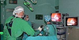Histerektomi ameliyatı artık kapalı yapılıyor