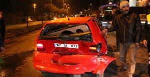 11 araç birbirine girdi: 3 yaralı