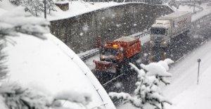 Bolu Dağı'nda ulaşım güçlükle sağlanıyor