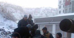 İnşaatta boşluğa düşen işçi ağır yaralandı