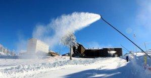 Kartalkaya'da yapay kar takviyesiyle sezon açılıyor