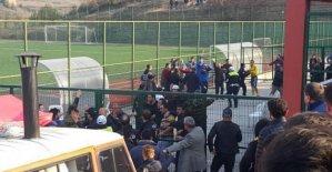 Amatör maçta kavga: 2 yaralı