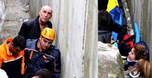 Deniz manzarası izlerken duvardan düşen üniversiteli yaralandı