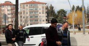 FETÖ'den aranan 2 asker yakalandı