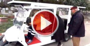 Golf aracıyla mezarlık ziyareti vatandaşları mutlu etti