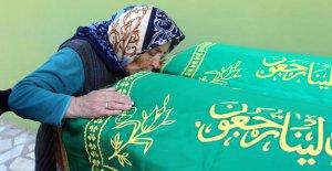 Libya'da ölen 2 kardeş yan yana toprağa verildi