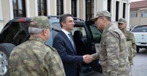 Orgeneral Çolak askeri birlikleri denetledi
