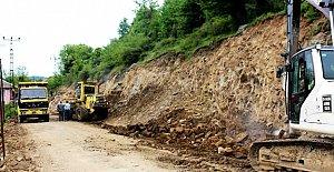 Bartın'da Köy Yolları Genişletiliyor