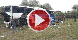 Şoför Uyudu: 8 Ölü, 34 Yaralı