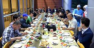 Rektör'den basına iftar