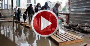 Yağmur su baskınlarına neden oldu