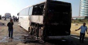 Seyir halindeki yolcu otobüsü alev aldı