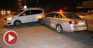 Alkollü sürücü polis aracına çarptı: 5 yaralı
