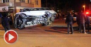 İki minibüs çarpıştı: 4 yaralı