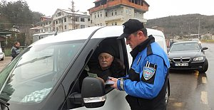 Polisin Para İstemesi de Vermek de...