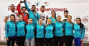 Kadın Güreşçiler Türkiye Şampiyonu Oldu