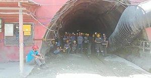 Madenciler Kendilerini Ocağa Kapattı