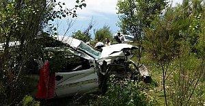5 kişilik araç şarampole yuvarlandı: 2 ölü, 13 yaralı