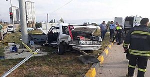 Emniyet kemeri takılı olmayınca, araçtan fırlayıp öldü